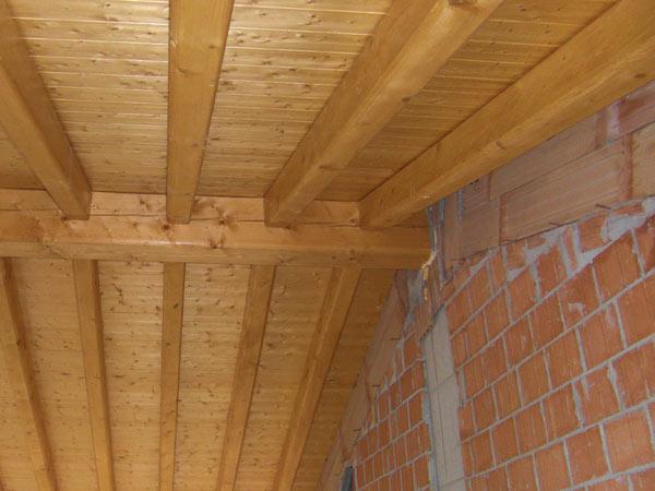 rifacimento-tetto-in-legno-Scandiano