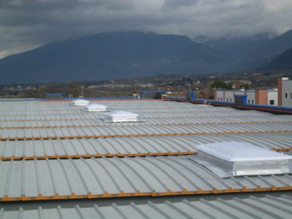 installazione-pannelli-coibentati-capannoni-Scandiano
